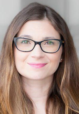Dre. Emily Blake, Psychologue